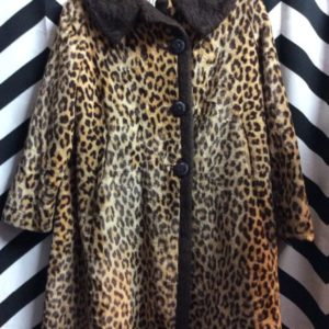 LEOPARD PRINT OVERSIZE BUTTON WINTER COAT *AS IS 1