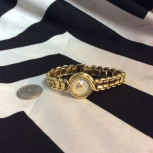 FENDI WATCH MOTHER OF PEARL DIAL 1