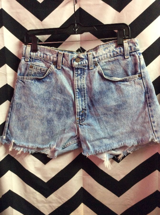 8c21c144 LEVIS DENIM CUT-OFF SHORTS W/ ACID WASH & ORANGE TAB » Boardwalk Vintage