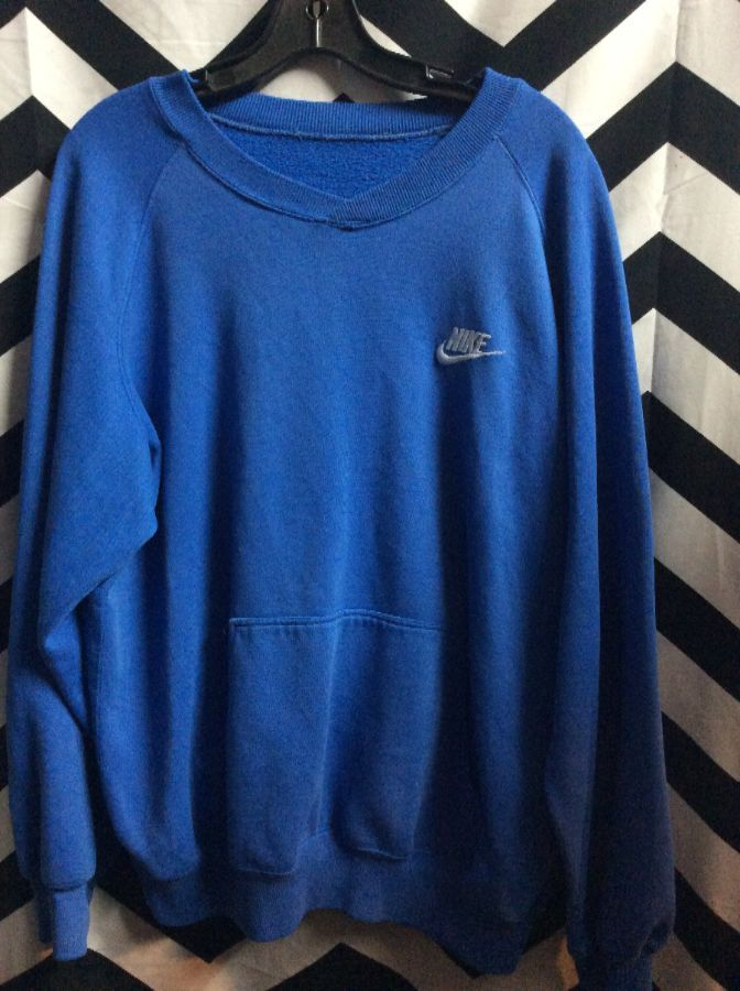 PULLOVER NIKE FRONT POCKET V-NECK 1