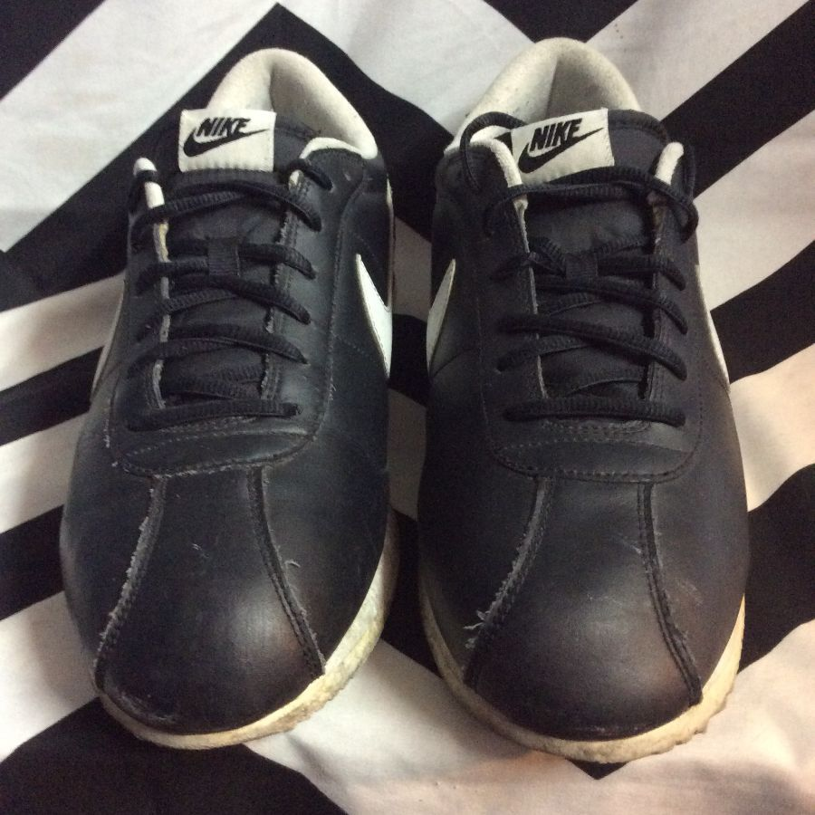 NIKE SWOOSH TENNIS SHOES BLACK WHITE LOGO 1