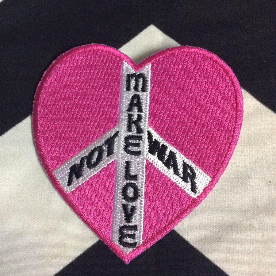 BW PATCH PINK HEART MAKE LOVE NOT WAR 1