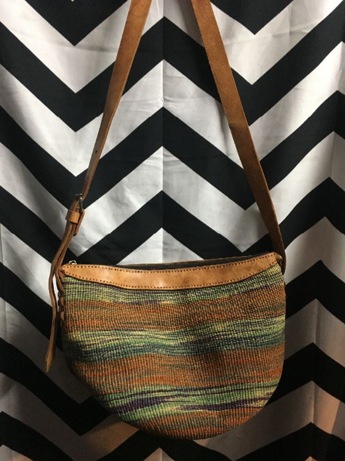 PURSE WOVEN LEATHER STRAP ONE ZIPPED OPENING 1