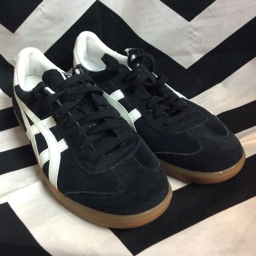 ONITSUKA TIGER SUEDE SHOES W/ GUM SOLE