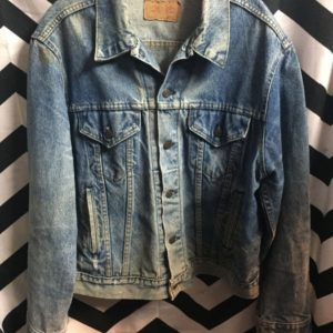Levis classic denim jacket distressed collar rust on shoulder as-is 1