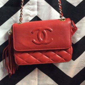RED CHANEL SMALL LEATHER SHOULDER BAG WITH TASSEL 1