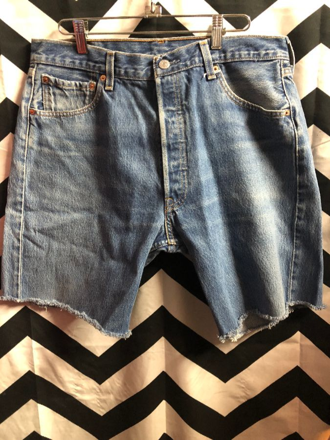 f9a62b47 CLASSIC 501 LEVIS DENIM CUT-OFF SHORTS BUTTON FLY » Boardwalk Vintage