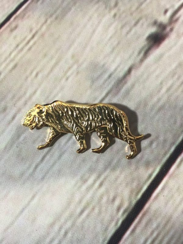 product details: 1980'S BROOCH/PIN - GOLD TIGER photo