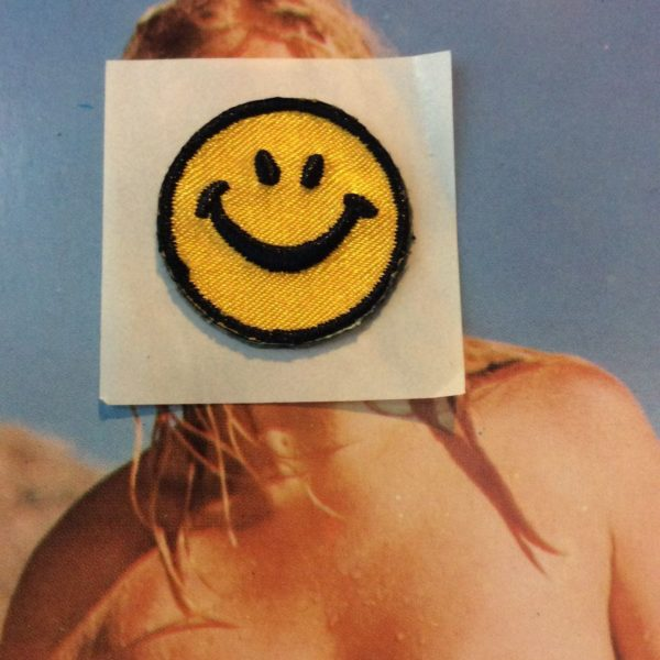 product details: STICKER EMBROIDERED PATCH - CLASSIC SMILEY FACE photo