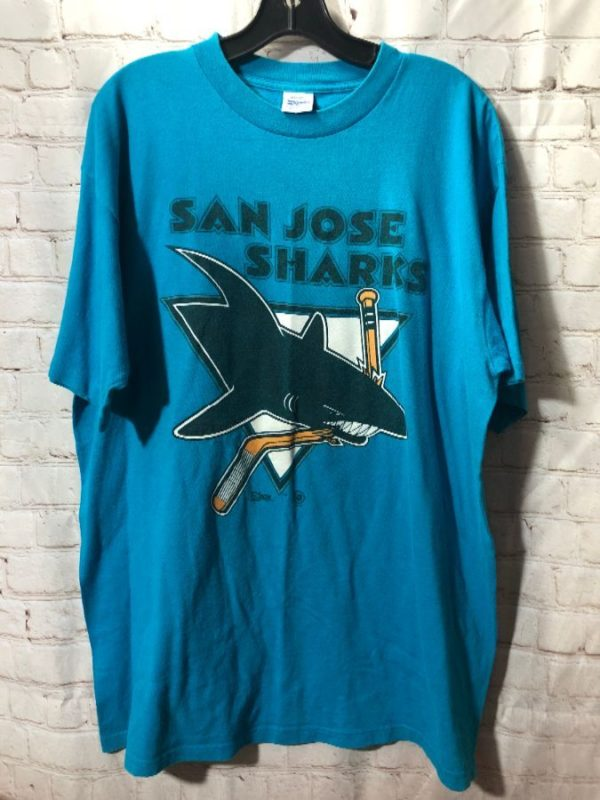 product details: RETRO T-SHIRT SAN JOSE SHARKS W/ GRAPHIC PRINT photo