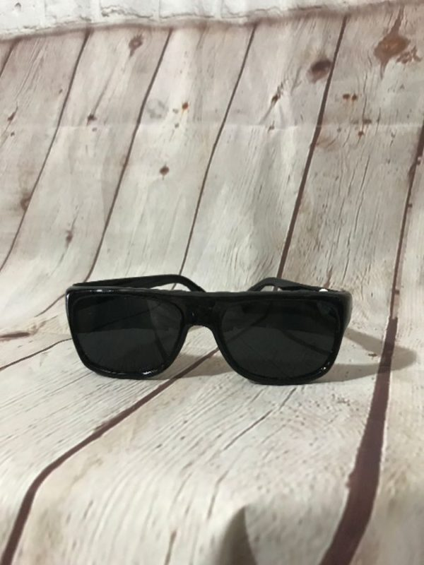 SUNGLASSES JAPANESE CLASSIC W/ SQUARE SHAPE