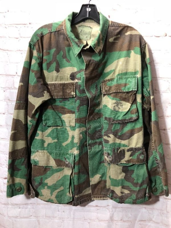 product details: ARMY CAMO PRINT DESIGN JACKET photo