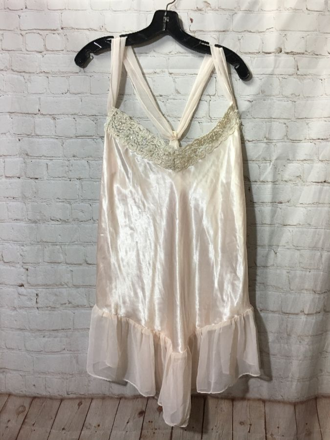 3e54da7b SLIP-DRESS W/ SEQUINS - BEADS & LACE TRIM » Boardwalk Vintage