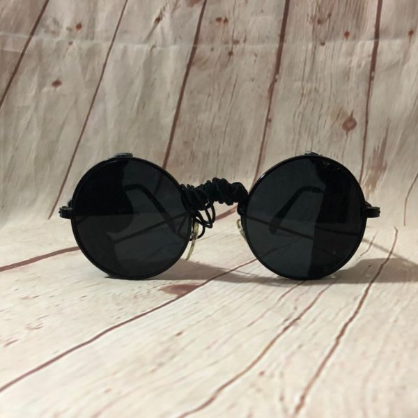 SUNGLASSES ROUND PILOT FRAMES W/ LEATHER SIDES PIECES