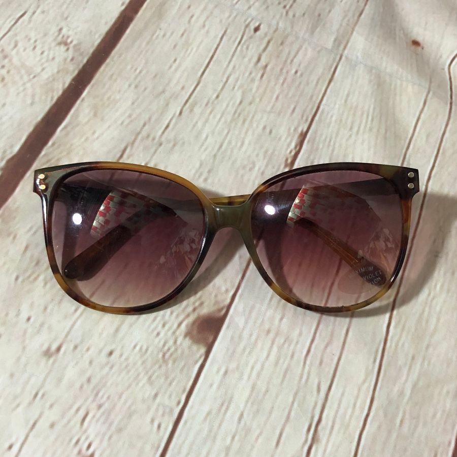 10bd423faa UV PROTECTION TORTOISE SHELL BIG FRAME SUNGLASSES » Boardwalk Vintage