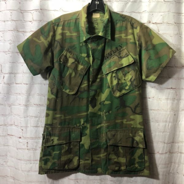product details: COTTON CAMO PRINT ARMY  SHIRT W/ SLANTED POCKETS VIETNAM ERA photo