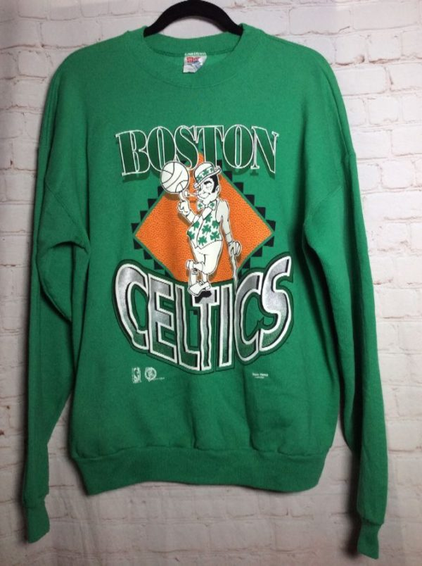 BOSTON CELTICS NBA LICENSED SWEATSHIRT W/ LEPRECHAUN FRONT DESIGN *AS IS