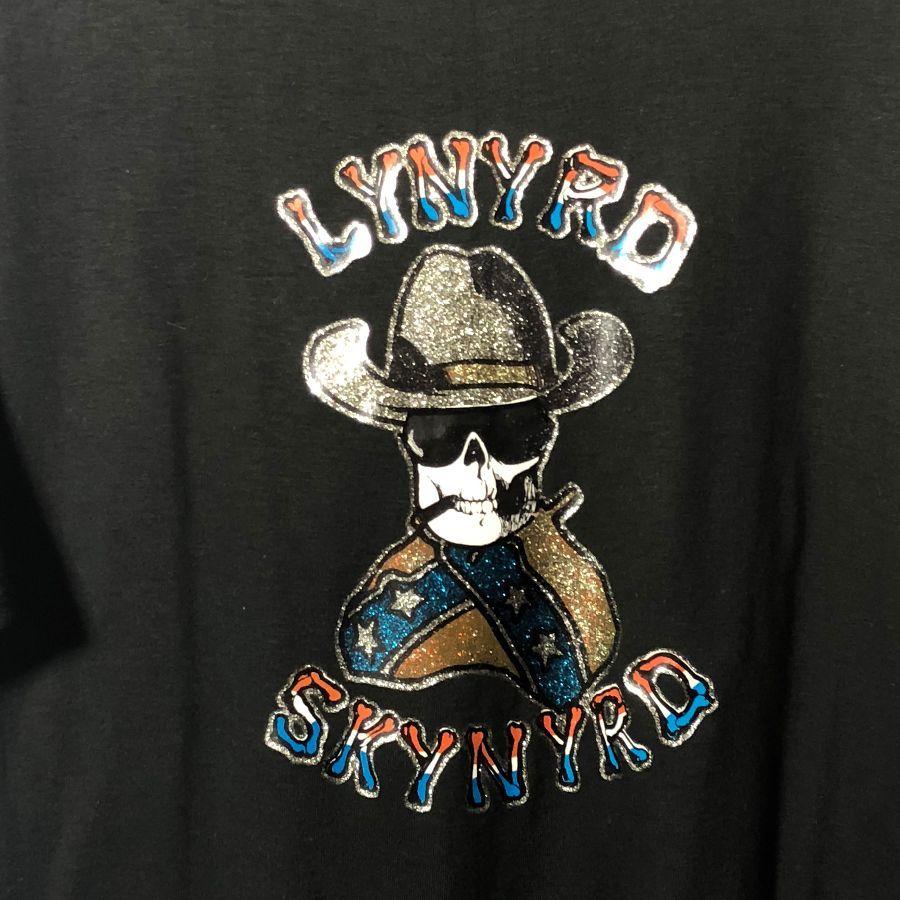 6a4baf7a0 RETRO SOFT T-SHIRT LYNYRD SKYNYRD W/ SMOKING SKULL & GLITTER GRAPHIC