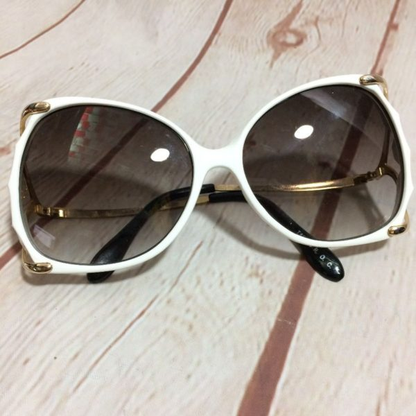 1970'S BUTTERFLY FRAME SUNGLASSES W/ COOL COLORED LENSES