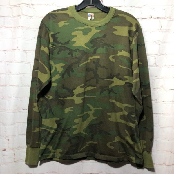 product details: TRADITIONAL ARMY CAMOUFLAGE T-SHIRT MADE IN USA photo