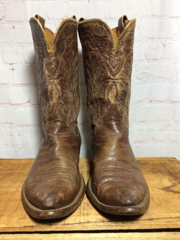 FADED/SCUFFED LEATHER COWBOY BOOTS W/ DECORATIVE STITCHING