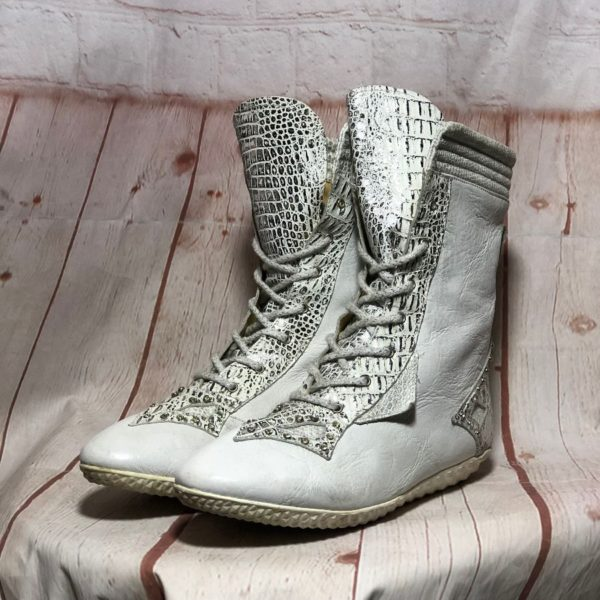 1980'S LACE-UP LEATHER MOON BOOTS W/ METALLIC CROCODILE PATTERN DETAILING