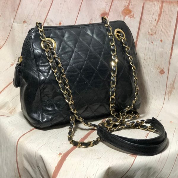 VINTAGE 1980'S NEIMAN MARCUS QUILTED LEATHER HANDBAG W/ DOUBLE CHAIN LINK STRAPS