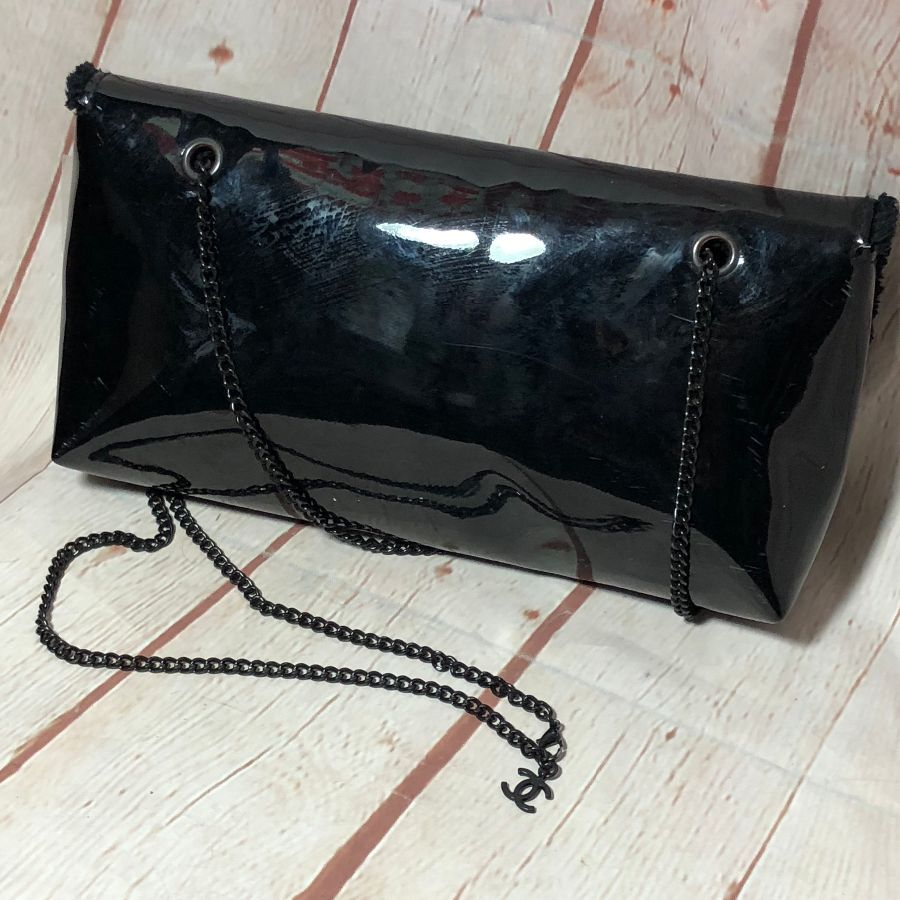 d4a03d24d301f0 PATENT LEATHER CHANEL CLUTCH W/ CHAIN STRAP & FAUX FUR LINING/OUTER LOGO