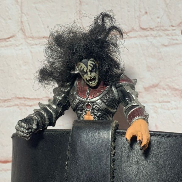 KISS GENE SIMMONS W/ ROBOT ARM ROCK-STAR 7″ FIGURINE