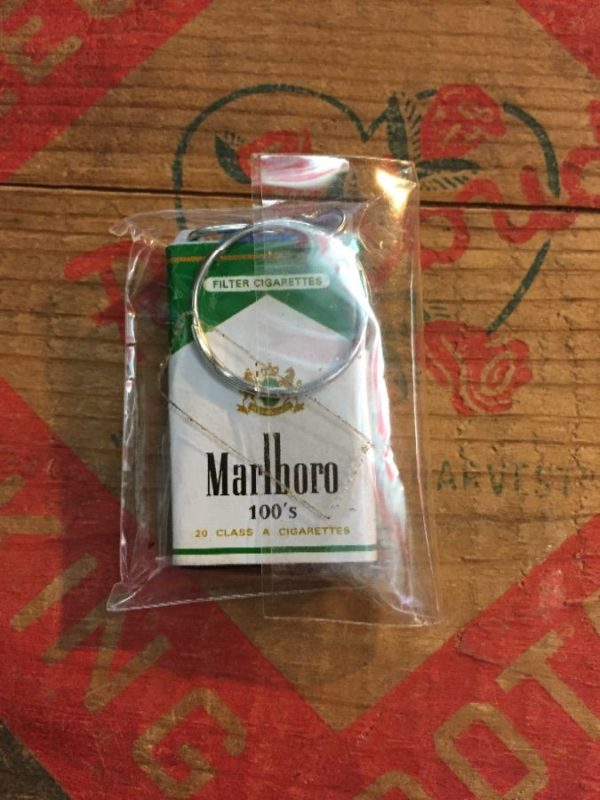 MARLBORO MENTHOL 100'S KEY-CHAIN W/ SILVER METAL KEY-RING