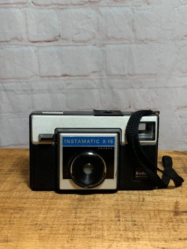 VINTAGE EASTMAN KODAK INSTAMATIC X-15 CAMERA