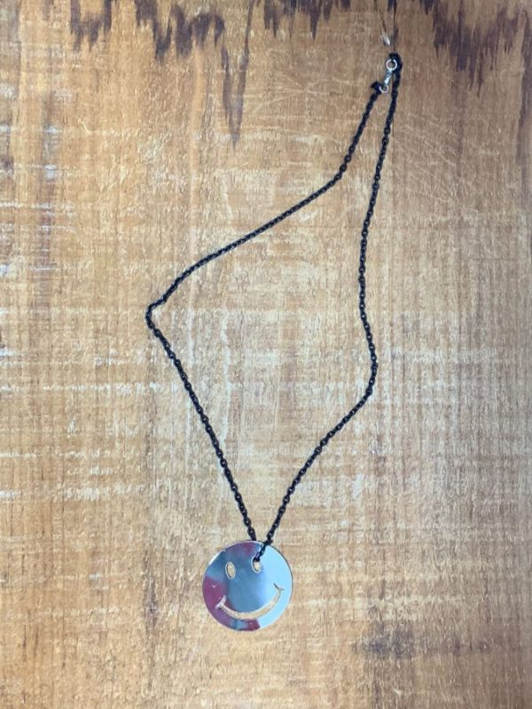 SMILEY FACE PENDANT W/ SMALL MATTE CHAIN LINK NECKLACE