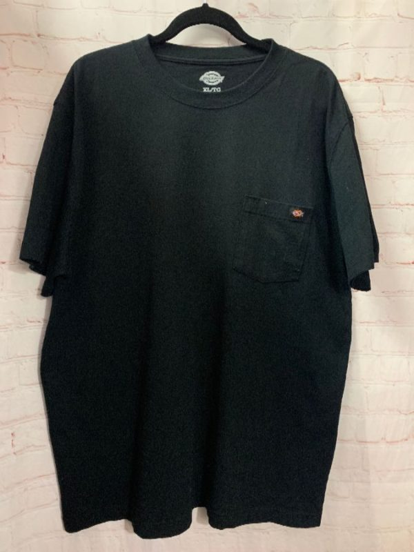 product details: DICKIES  T-SHIRT W/ FRONT POCKET LOGO PATCH photo