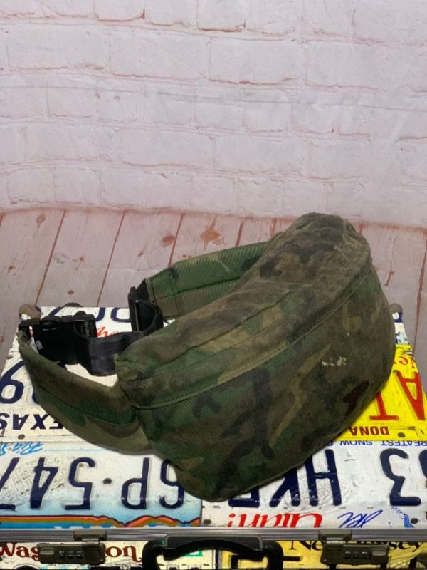 HEAVY DUTY CAMO DESIGN UTILITY FANNY PACK