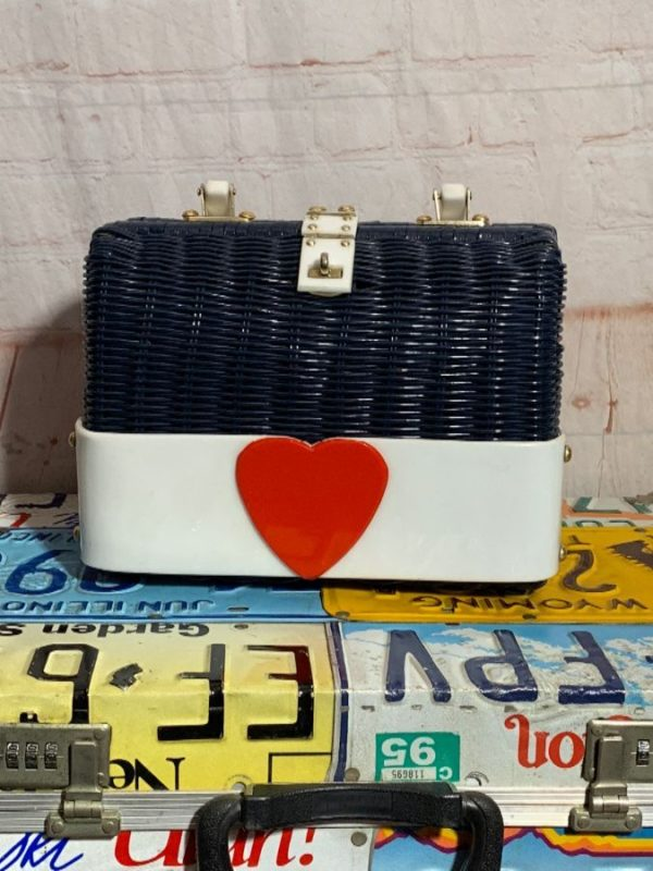 product details: RETRO WICKER HAND BAG PURSE W/ LUCITE PLASTIC PARTS & ADDED HEART DESIGN photo