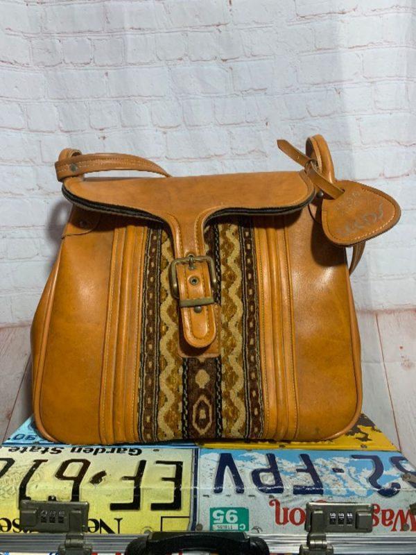OVERSIZED 70S VINYL CARPET STRIPE BAG