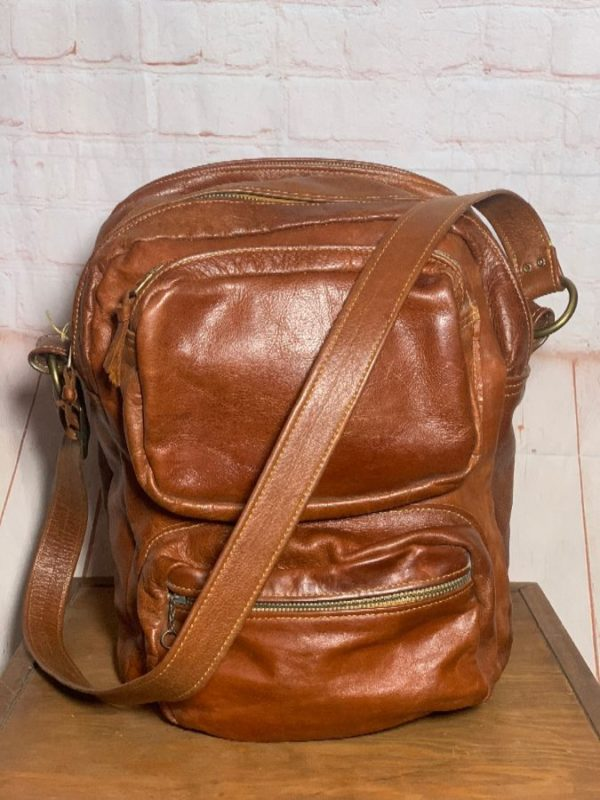 RETRO LEATHER CROSSBODY MESSENGER BAG W/ MULTIPLE COMPARTMENTS