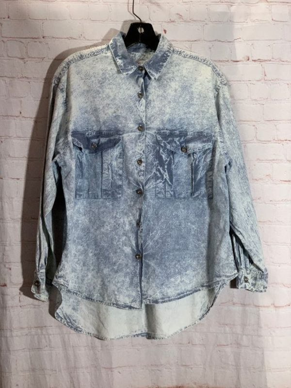 1990'S SUN BLEACHED MARBLE WASHED FAUX DENIM SHIRT W/ BOXY FIT
