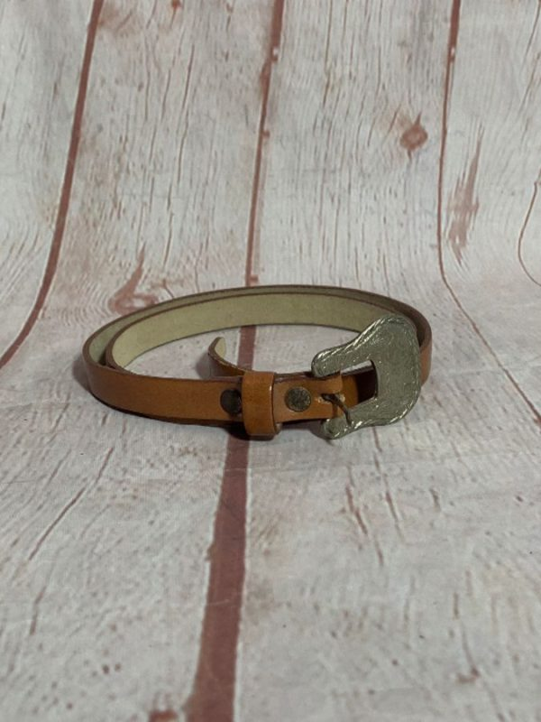 SUPER NARROW LEATHER BELT W/ SILVER DETAILED HARDWARE & BUCKLE