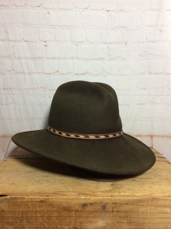 CONTEMPORARY STYLE WOOL WALKING HAT