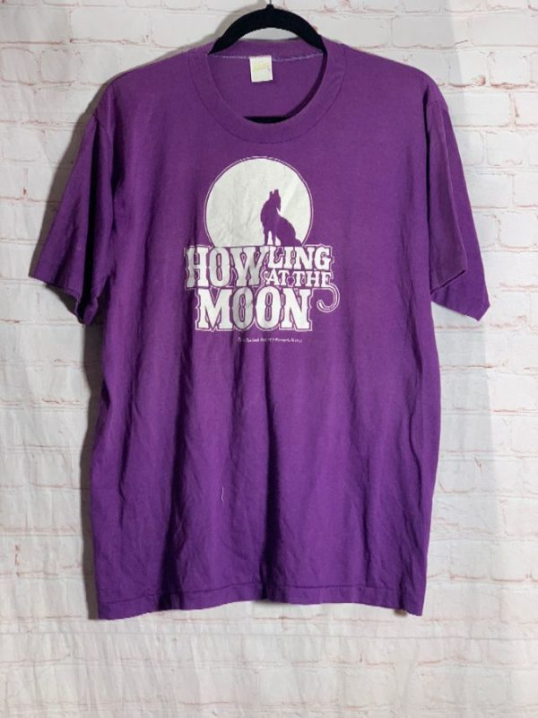 VINTAGE 1983 HOWLING AT THE MOON W/ WOLF GRAPHIC SOFTY T-SHIRT