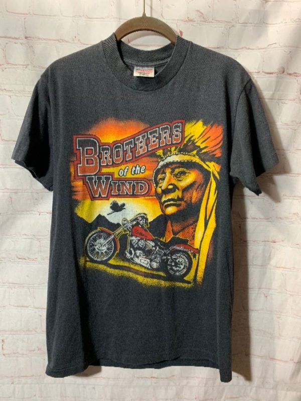 T-SHIRT BROTHERS OF THE WIND W/ MOTORCYCLE & NATIVE AMERICAN CHIEF GRAPHIC