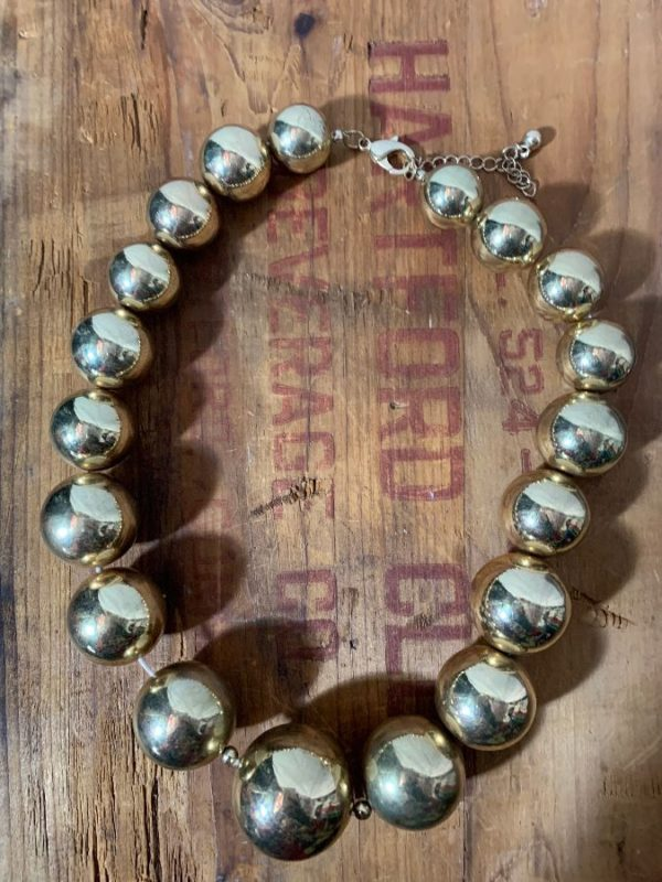 1980'S OVERSIZED GOLD METAL BALL/BEAD CHOKER NECKLACE