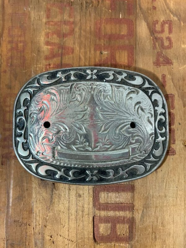 ENGRAVED SILVER BUCKLE ORNATE DESIGN