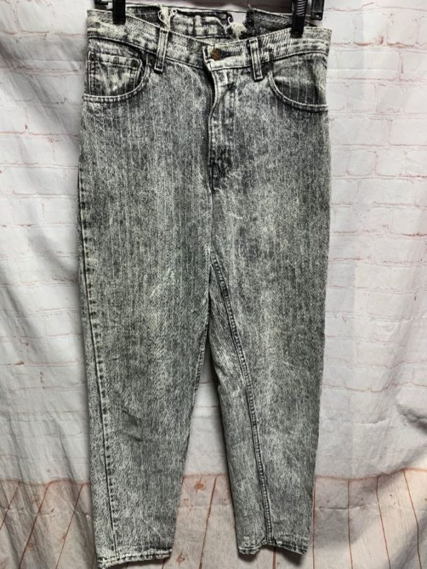 DISTRESSED LEVIS 550 DENIM JEANS W/ STRAIGHT LEG & PINSTRIPES