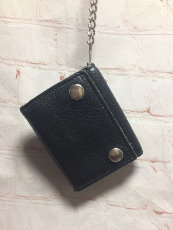 product details: SOFT VINTAGE LEATHER WALLET CLASSIC SNAP BUTTON CLOSURE & CHAIN W/ BELT HOOK photo