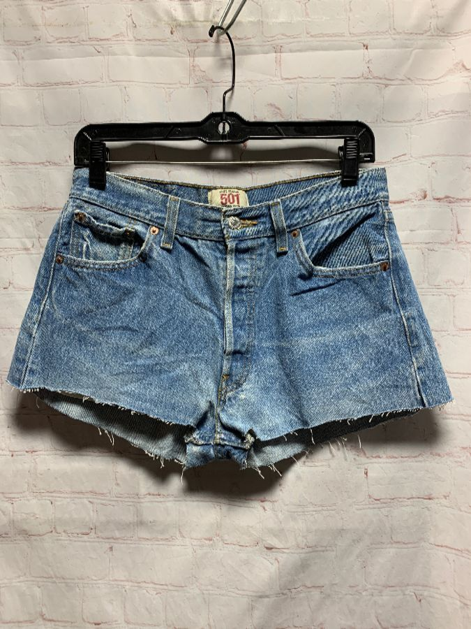 02fca286 LEVIS DENIM CUT-OFF SHORTS BUTTON-UP FLY MIDRISE SUPER CHEEKY 501 RED TAG