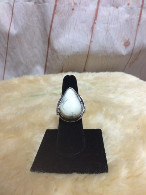 WHITE BUFFALO TURQUOISE TEAR DROP STONE RING IN STERLING SILVER 925