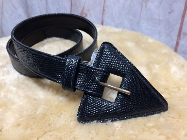 NARROW TEXTURED LEATHER BELT W/ LEATHER COVERED TRIANGLE SHAPE BUCKLE