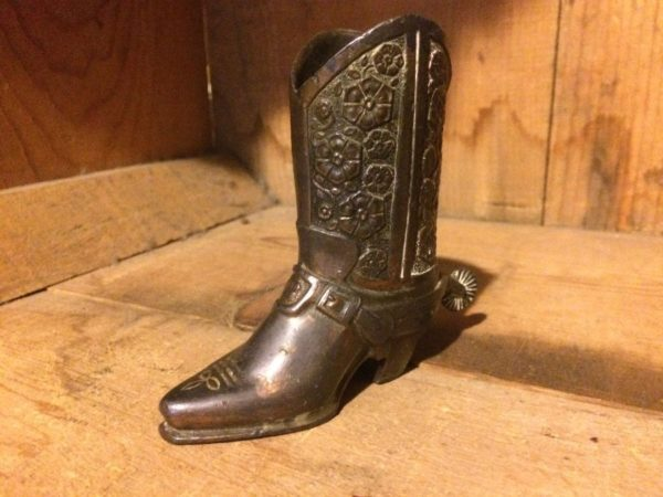 ASHTRAY/PAPERWEIGHT BRASS COWBOY BOOT W/ SPURS